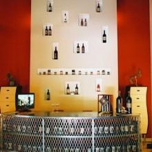 wine store fronte